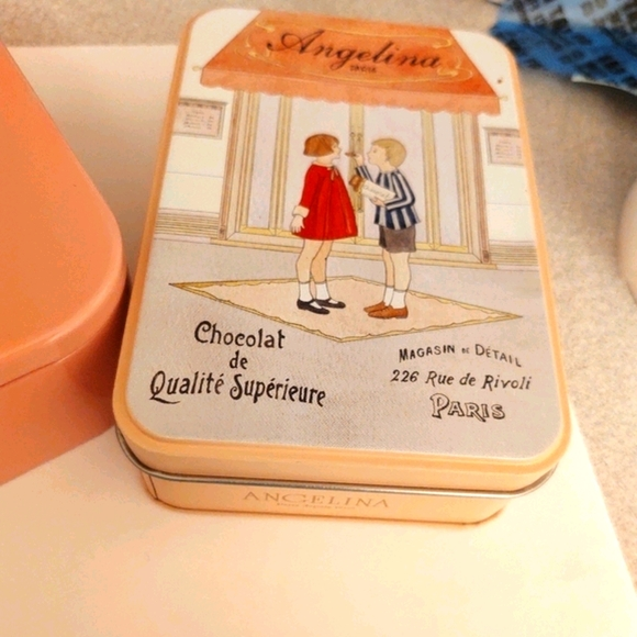 Cute pink tin boxes for decor